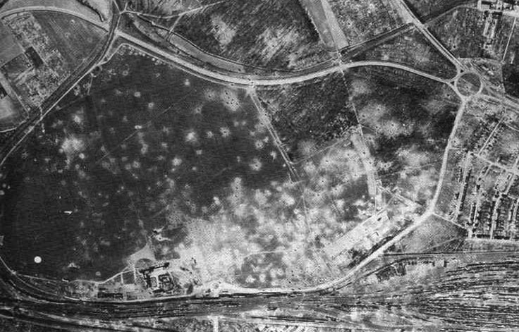 Bombenkrater am Rebstock (1945)
